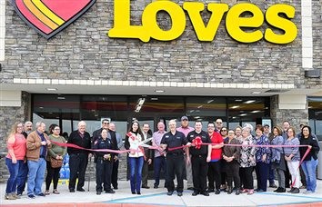 Love's 700 Now Open, New Travel Center Benefits Sonora